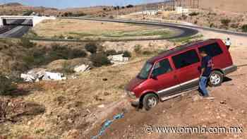 Sale del camino y queda a punto de caer a barranco - Omnia