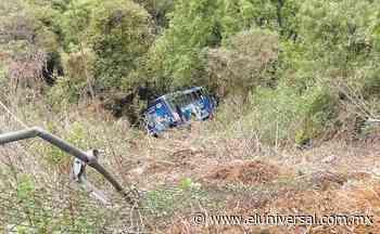 Cae camión del transporte público a un barranco en Cuajimalpa   El Universal - El Universal