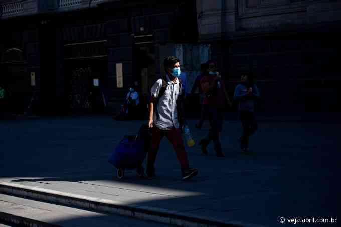 Com alta de casos, Chile anuncia quarentena total em Santiago - VEJA.com