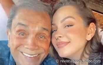 Yasmin Sant'Anna posta fotos raras com o pai, Dedé Santana - Quem Acontece
