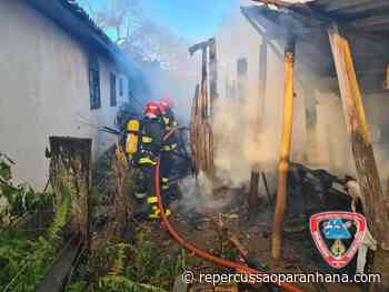 Incêndio em residência mobiliza dois caminhões dos bombeiros em Igrejinha - Repercussão Paranhana