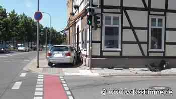 Rote Ampel übersehen: Zwei Verletzte bei Unfall in Stendal - Volksstimme