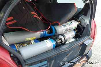 Politie neemt 36 flessen lachgas in beslag (Berchem) - Het Nieuwsblad