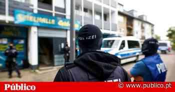 Foram afastados 19 polícias alemães por suspeitas de simpatia com a extrema-direita - PÚBLICO