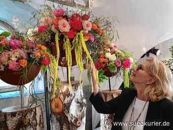 Überlingen: Männer, lasst besser Blumen für Euch sprechen: Gaby Hauptmann eröffnet Blumenschau in der Kapuzinerkirche - SÜDKURIER Online