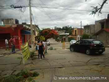 Piden vecinos de la colonia Dolores abrir la circulación de la calle de Orquídeas en Oaxaca - Diario Marca de Oaxaca