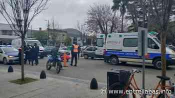 Dolores: una mujer fue atropellada por un policía que circulaba en una moto robada - Entrelíneas.info
