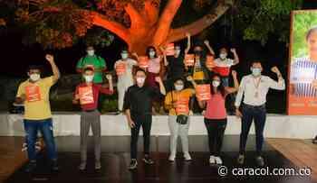 Carlos Caicedo anuncia 4.500 becas y Universidades para el Magdalena - Caracol Radio