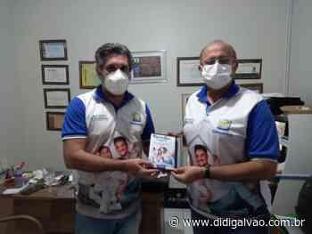 Prefeito de Parnamirim faz entrega de tablets que serão usados no cadastramento social dos beneficiários do programa 'Moradia Legal' - Blog do Didi Galvão