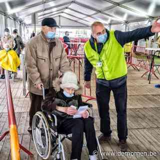 Dreigend vrijwilligerstekort zet vaccinatiecampagne onder druk