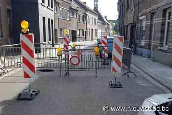 Straat afgesloten door zinkgat (Tienen) - Het Nieuwsblad