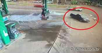 Câmeras registram fuga de motorista na cidade de Ubiratã, com carro carregado de drogas- RIC Mais - RIC Mais