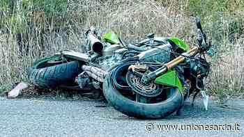 Santa Giusta, motociclista prende in pieno una buca e finisce a terra - L'Unione Sarda.it - L'Unione Sarda.it