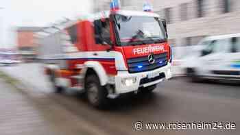 Haus steht in Flammen: Frau (80) nach Brand in Prien im Krankenhaus