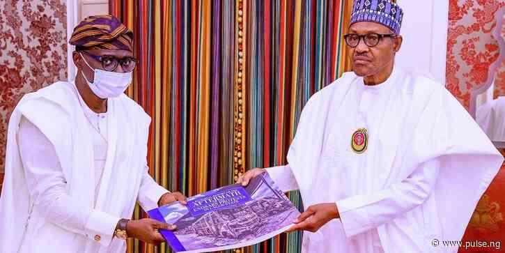 Buhari tells Lagosians to walk after Sanwo-Olu showed him photos of burnt BRT buses