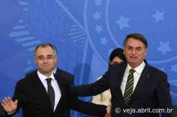 Em encontro com Aras no Alvorada, Bolsonaro crava Mendonça no STF - VEJA