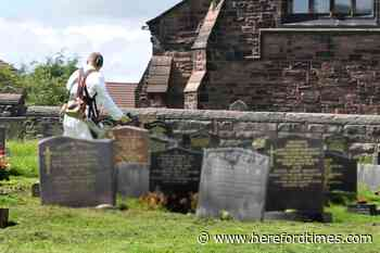 Workers threaten to not cut grass at Herefordshire border cemetery