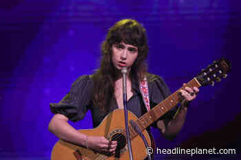 """Clairo Performs New Song """"Blouse"""" On Thursday's """"Tonight Show Starring Jimmy Fallon... - HeadlinePlanet.com"""