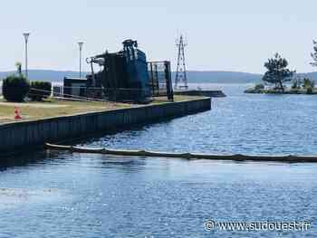 Lacanau : l'épave de la faucardeuse sera retirée du petit port dès lundi - Sud Ouest