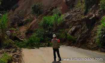 Por derrumbe cerrada la vía Medellín-Cisneros, en Pradera. - El Colombiano
