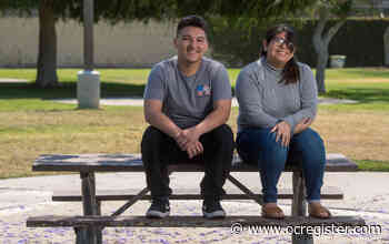 Santa Ana students recognized as Big Brothers Big Sisters high school volunteers of the year - OCRegister