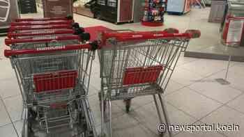 Kaarst: Seniorin von unbekannte Frau gerempelt und beklaut - Newsportal Köln