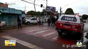 Motorista perde o controle de caminhonete e colide contra casa em Altamira - G1