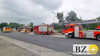 Feuerwehr muss Toilettentür auf Rastplatz bei Essehof öffnen