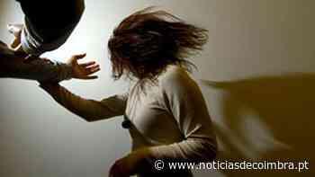 Pulseira eletrónica para suspeito de violência doméstica em Coimbra - Notícias de Coimbra