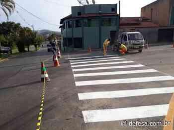 Avenida 3, no bairro Jardim Itatiaia, recebe serviço de sinalização viária - Defesa - Agência de Notícias