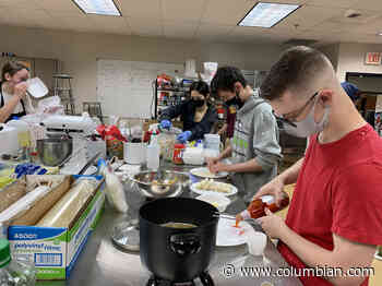Washougal High School culinary students serve up meals at food fair - The Columbian