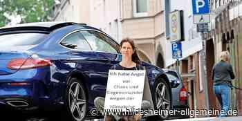 Warum sich Frau Konopka mitten in Hildesheim auf die Straße setzt - www.hildesheimer-allgemeine.de