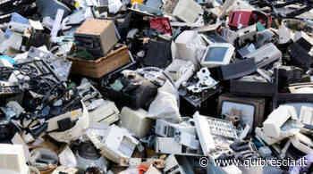 Ghedi, tra i rifiuti abbandonati anche un citofono. Multata una ditta - QuiBrescia.it