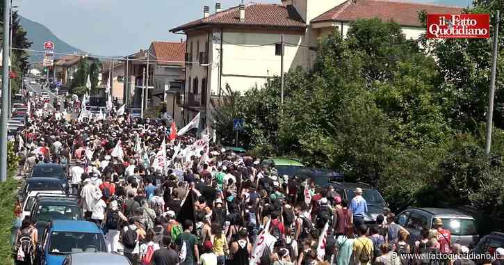 """No Tav, migliaia in marcia in Val di Susa: """"Governo investa in una vera transizione ecologica, non in progetti inutili e dannosi per l'ambiente"""""""