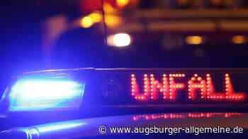 Motorrad kracht frontal in ein Auto: 19-Jähriger nach Unfall bei Asch schwer verletzt - Augsburger Allgemeine