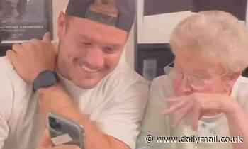 Colton Underwood's grandmother helps him swipe on Tinder