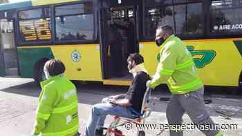 Quilmes Oeste: Varios personas hospitalizadas al chocar un colectivo y un auto - Perspectiva Sur
