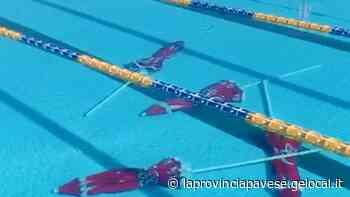 Raid in piscina a Mortara, ombrelloni dati alle fiamme - La Provincia Pavese