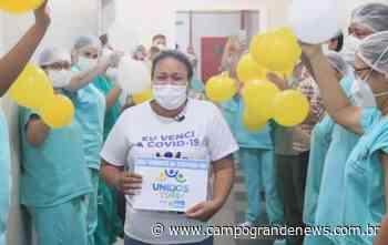 Curada e na companhia da mãe, Bruna volta para casa, em Dourados - Campo Grande News