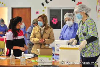 """Silvia Sosa Araujo: """"La vacuna está llegando, estamos vacunando y vamos a vacunar a todos"""" - Agencia de Noticias San Luis"""