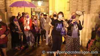 Ni la lluvia silencia el clamor de Zaragoza contra los últimos feminicidios ocurridos en España - El Periódico de Aragón