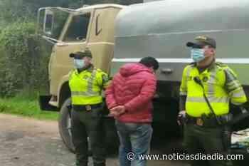 Capturado transportando gasolina ilegal en la vía Simijaca – Ubaté - Noticias Día a Día
