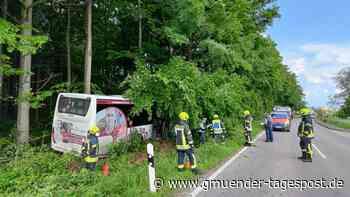 Bus kommt von Fahrbahn ab: Straßensperrung auf L1076 bei Hülen | Lauchheim - Gmünder Tagespost