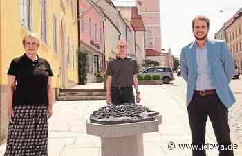 Landau an der Isar - Stadtarchivar Manfred Niedl bietet Stadtführungen an - idowa