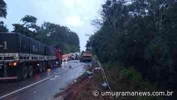 Caminhão carregado com cigarros contrabandeados causa grave acidente em Terra Roxa; veja o vídeo - Umuarama News