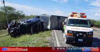 Vuelca tráiler cargado con libros en la carretera a Matamoros; no hubo rapiña - Hoy Tamaulipas