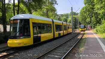 Öffentlicher Nahverkehr : Verkehrsvertrag für Straßenbahn Strausberg ist zu Ende August gekündigt - moz.de