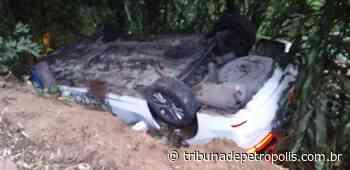 Duas pessoas ficam feridas em acidente no Taquara   Tribuna de Petrópolis - Tribuna de Petrópolis