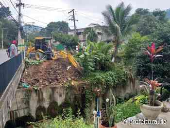 Construção irregular é derrubada na Taquara - Prefeitura da Cidade do Rio de Janeiro - prefeitura.rio - Prefeitura do Rio