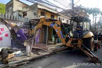 Prefeitura faz operação para demolir estruturas irregulares na Taquara - Prefeitura da Cidade do Rio de Janeiro - prefeitura.rio - Prefeitura do Rio